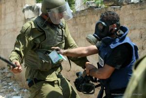 الاحتلال يرتكب 32 انتهاكاً ضد الصحفيين