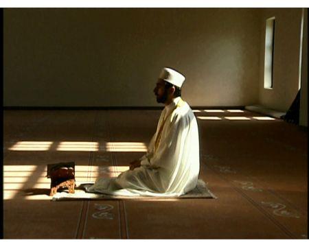 دراسة ألمانية : الصلاة تساعد علي ضبط النفس