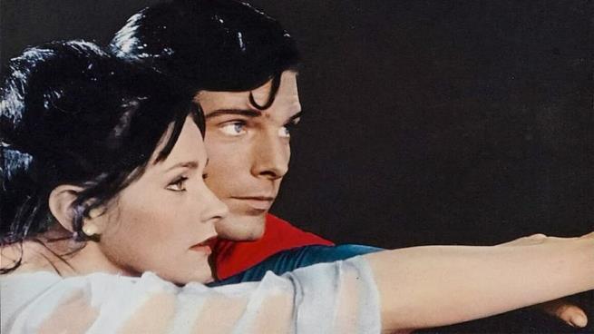 لماذا انتحرت بطلة فيلم (سوبر مان)؟