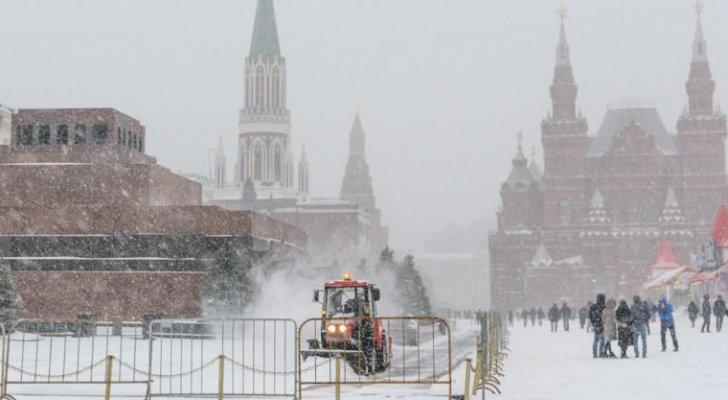 الأرصاد الروسية: عاصفة ثلجية الأقوى منذ نصف قرن تضرب البلاد