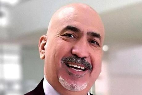 محمود زريقات .. رجل الأزمات الصعبة