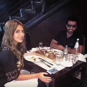 بالصور لقاء هيا عبد السلام وفؤاد علي على وجبة ستيك