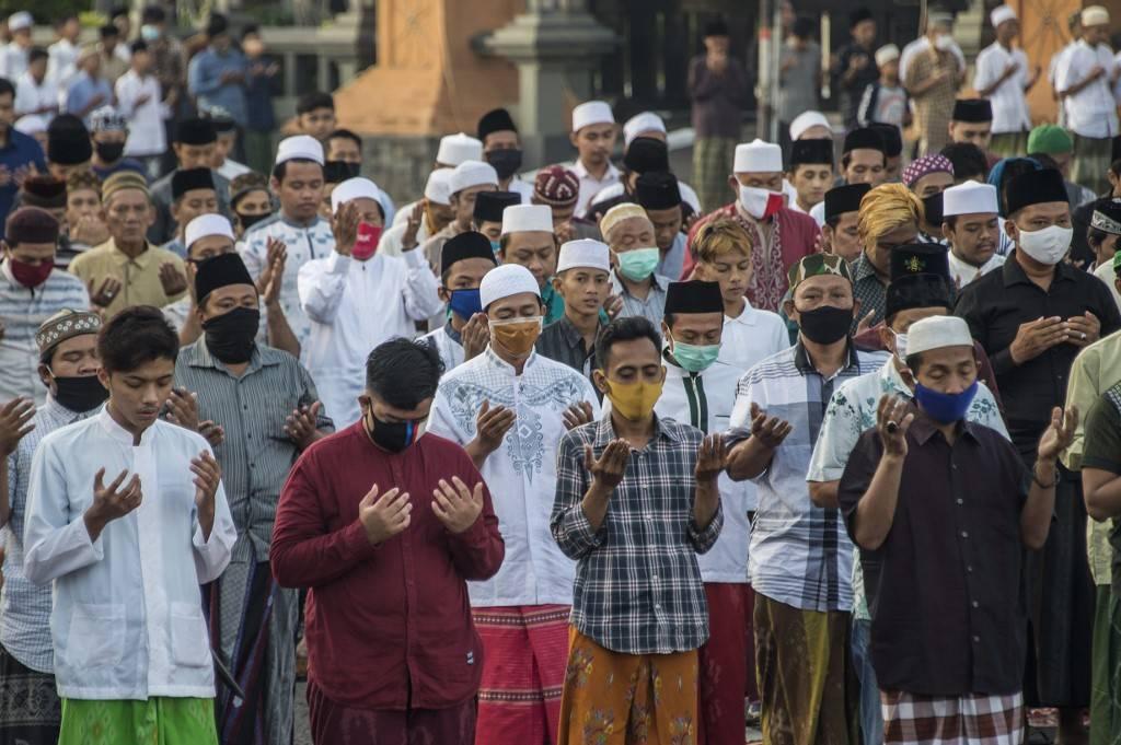 إندونيسيا تلغي رحلات الحج لمواطنيها هذا العام