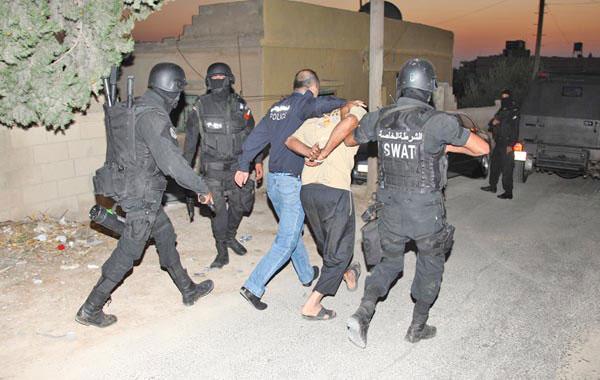 القبض على 4 اشخاص بحوزتهم مخدرات في الشونة الشمالية