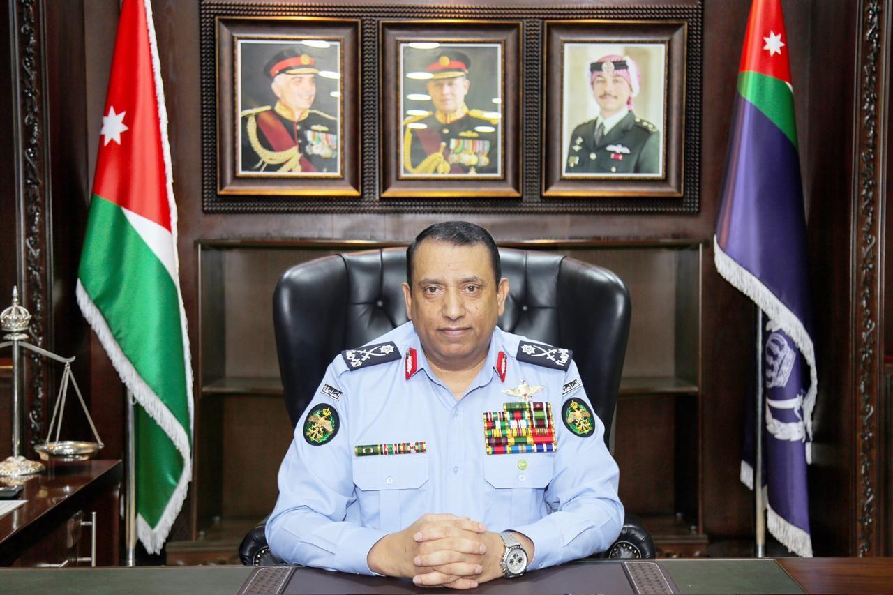 أمام مدير الأمن العام  ..  سيدة تناشد بالقبض على لصتين سرقن مصاغها الذهبي داخل مركز صحي في عمان بعد افتعال مشكلة