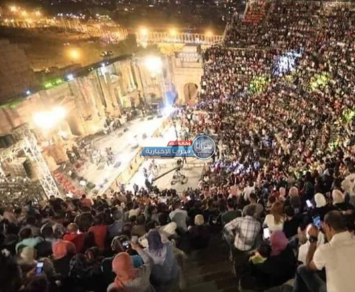 """وزير أسبق يدافع عن """"عدم التباعد"""" في جرش و أردنيون: ماعندنا مُغني غير عمر العبدالات مين """"عدنان""""؟"""