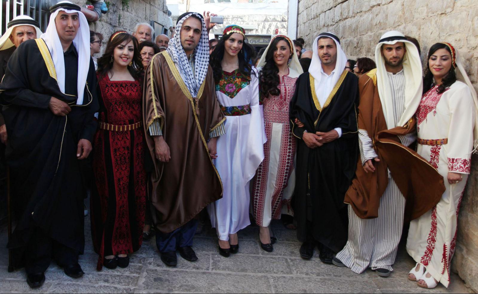 بالفيديو  ..  تعرف على عادات وتقاليد العرس الفلسطيني