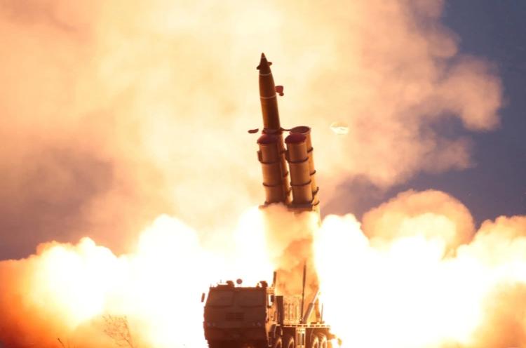 """واشنطن """"تدين"""" التجربة الصاروخية الكورية الشمالية"""