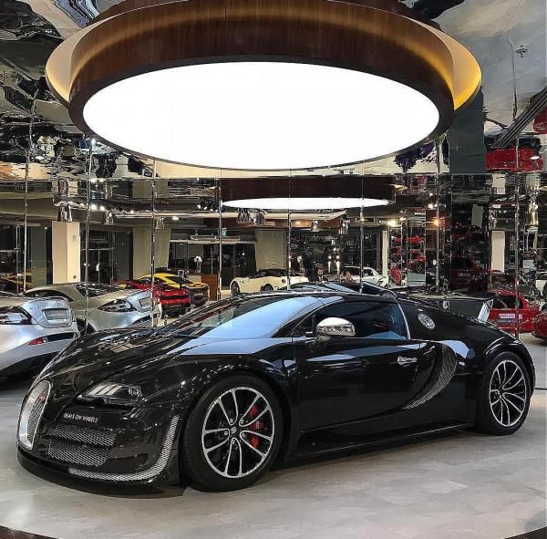 بالصور  ..  في العالم الخليجي .. لا بد من متابعة شخصيات عاشقة للسيارات