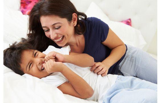 كوني قدوة لابنك في النشاط والاستيقاظ مبكراً!