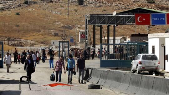 اللاجئون السوريون يعيشون في خوف مع تغير المشاعر تجاههم في تركيا