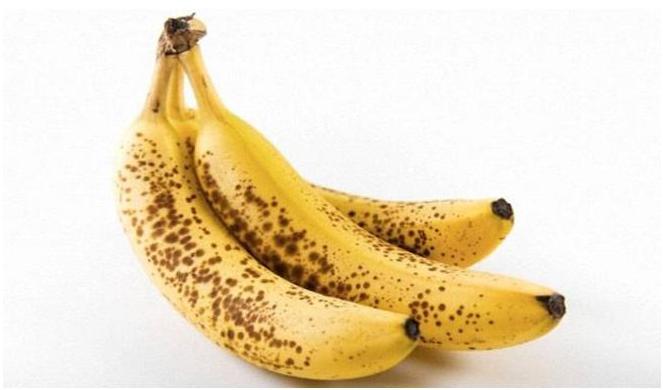 البقع الداكنة للموز تحتوي فوائد قد لا تخطر على بالك