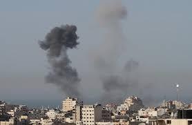 طائرات الإحتلال تقصف مناطق بقطاع غزة