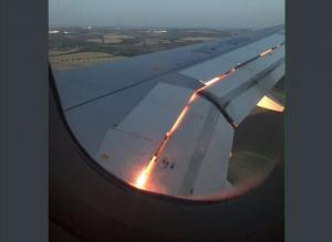 """""""شيء لا يصدق""""  ..  هذا هو سبب احتراق محرك طائرة المنتخب السعودي ونجاتها من كارثة جوية! """"فيديو"""""""