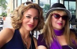 سوزان نجم الدين تتصالح مع والدتها بعد أن تبرأت منها عائلتها