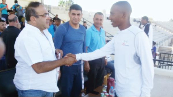 محمد ابو زينة يخطف الانظار عند تسجيله رقمه القياسي