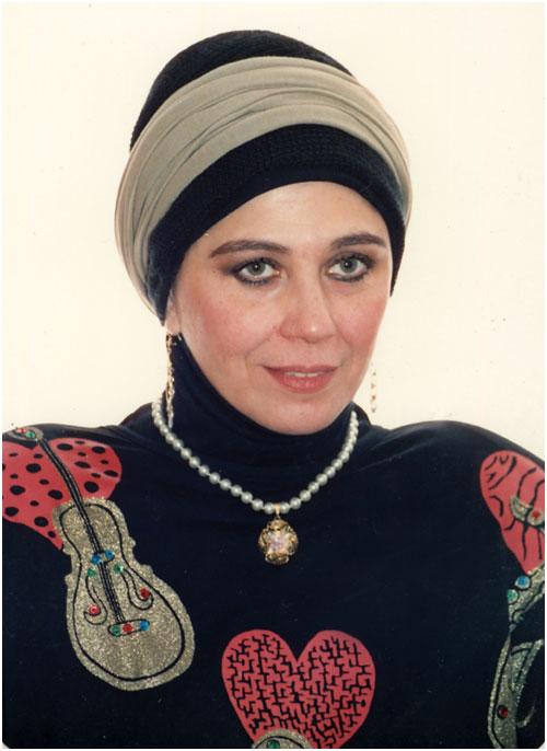 """شاهد صور بعد اعتزالها الفن وغياب سنوات طويلة اول ظهور للفنانة """"منى جبر"""" بعدما ارتدت الحجاب وكيف اصبح شكلها الان !!"""