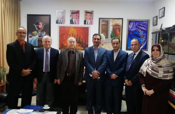 وفد من اتحاد الأكاديميين والعلماء العرب يزور جامعة فيلادلفيا