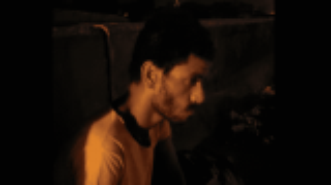 بالفيديو : خدعوني وتوفيت والدتي  ..  قصة سرقة كلية مصري