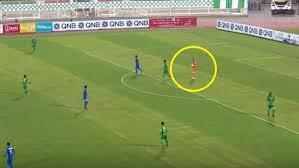 """بالفيديو ..  حارس عربي يسجل هدفا """"عابرا للقارات"""" من المرمى إلى المرمى"""