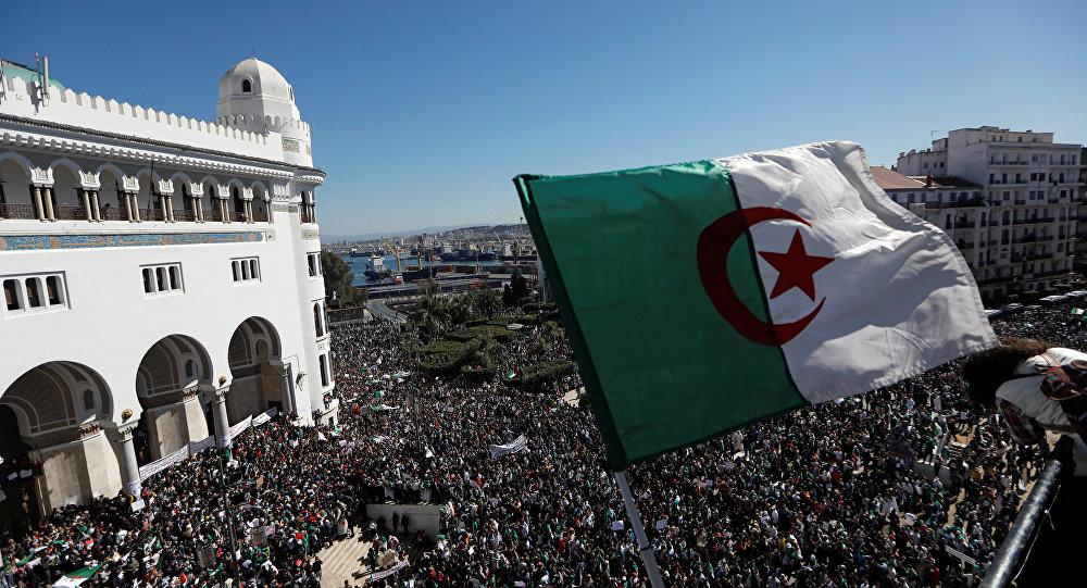 إقالة مسؤول جزائري إثر مصرع 5 أشخاص بحفل غنائي