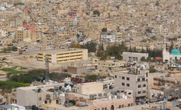 60 ألف مواطن ينتظرون إيصال الخدمات الأساسية لمنازلهم في الرصيفة والزرقاء