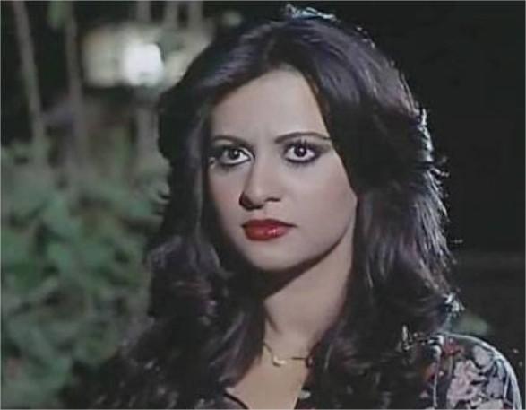 بالفيديو  .. نجمة مصرية تكشف محاولتها الإنتحار