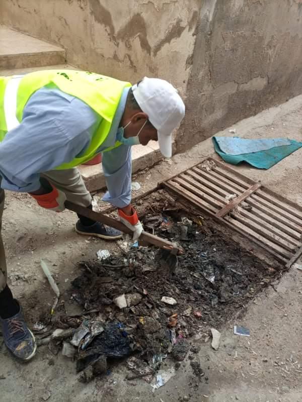 بلدية الزرقاء تنفذ حملة واسعة لتنظيف شبكات تصريف مياه الامطار