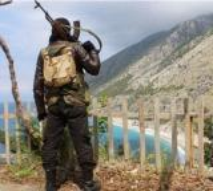 مقتل 4 مدنيين بانفجار غامض في اللاذقية