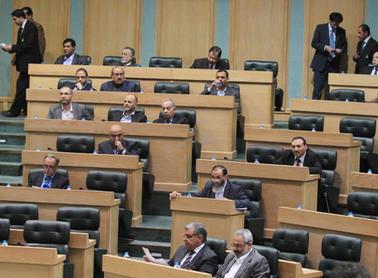 منع الاتفاقيات بين الجامعات الأردنية والإسرائيلية وتعيين الرؤساء بتنسيب مجالس الأمناء