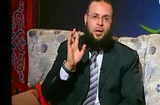 داعية: من يجبر زوجته على خلع الحجاب عليها أن تُطلق منه