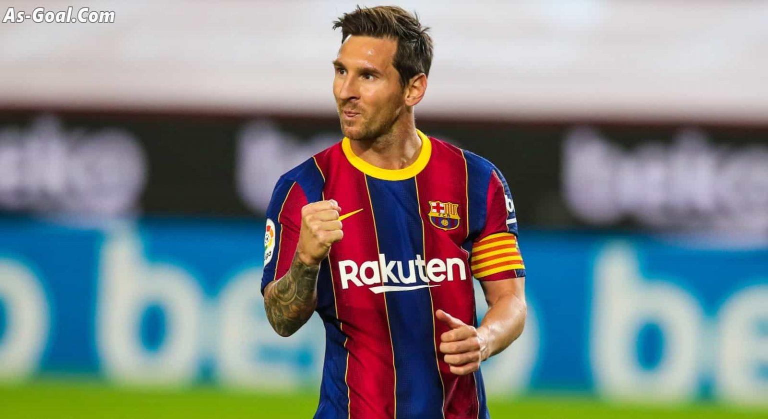 ميسي يعود إلى برشلونة تمهيداً لإمضاء عقده الجديد