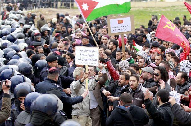 قيادي اخواني :الفاسقات من القوى القومية واليسارية سبب فشل احتجاجات السفارة الإسرائيلية
