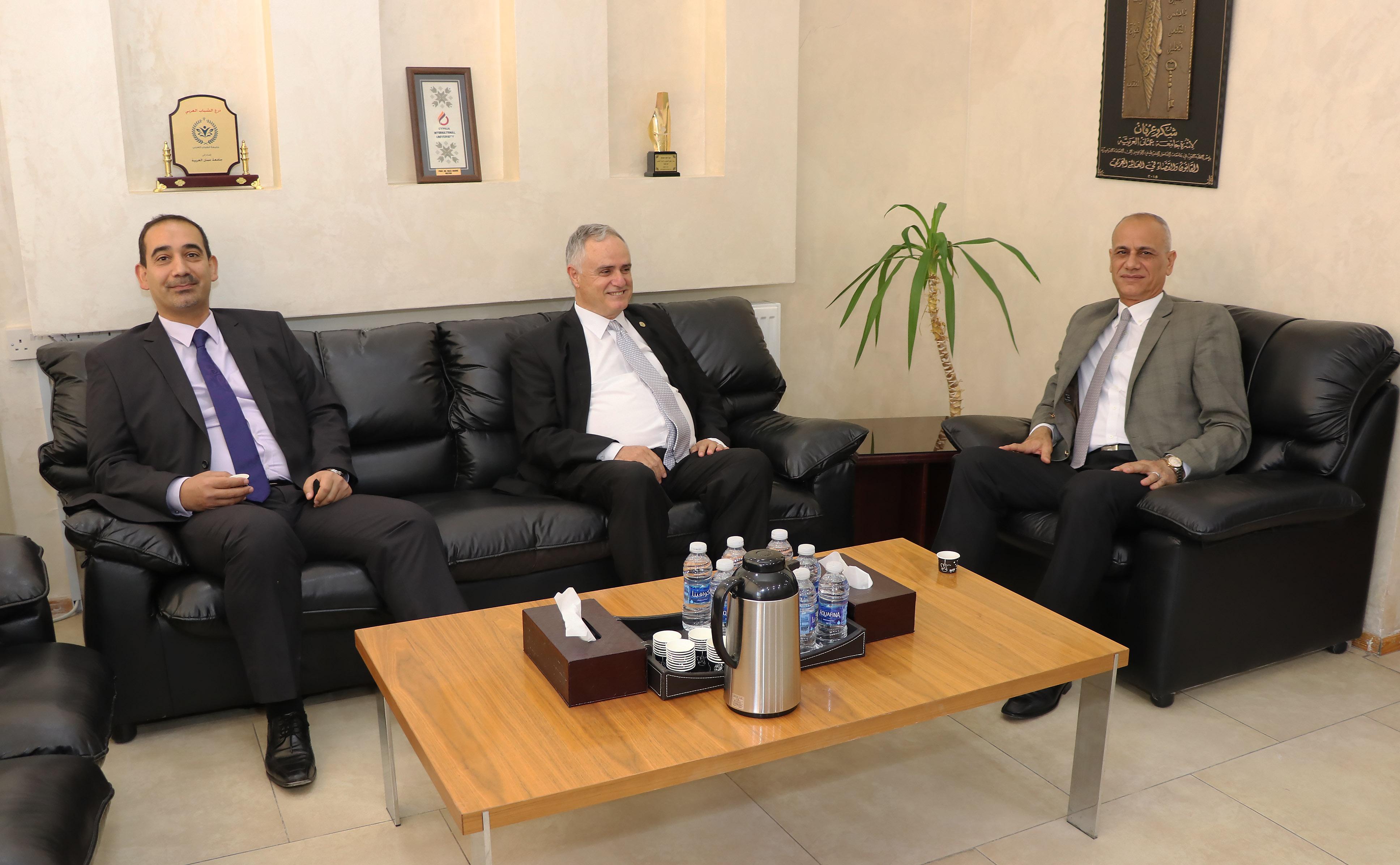 جامعتا عمان العربية والحسين بن طلال تتطلعان لتنفيذ برامج مشتركة ريادية