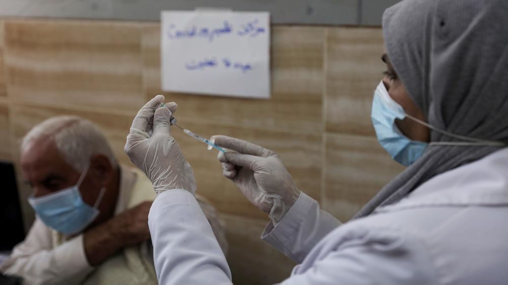 184 ألفا تلقوا اللقاح المضاد للفيروس في الضفة الغربية المحتلة وقطاع غزة