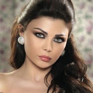 هيفاء وهبي تربح دعوى ضد شقيقتها بتهمة القدح والذم والتشهير