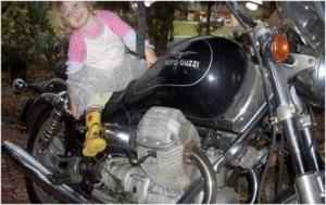 لص يعيد دراجة لصاحبها تقديرا لقيمتها المعنوية