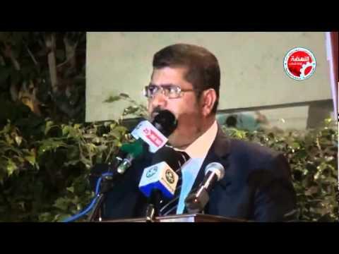 """بالفيديو  ..  شاهد الرئيس""""مرسي"""" يؤذن لصلاة العشاء بالإسكندرية"""