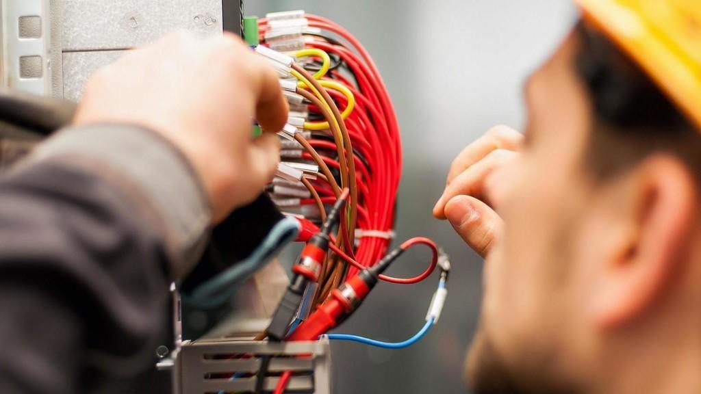 تجارة الاردن: 1.7 مليار دينار حجم الاستيراد بقطاع الكهربائيات والإلكترونيات لعام 2018