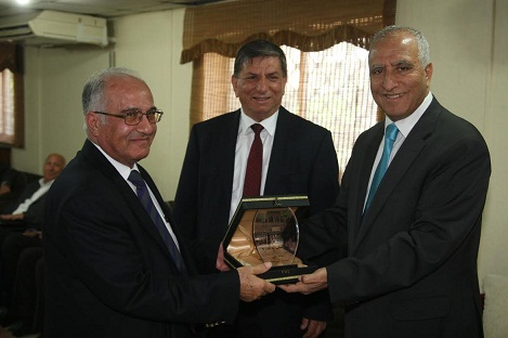 الأردنية تكرم نخبة من أعضاء هيئتها التدريسية بلغوا السبعين