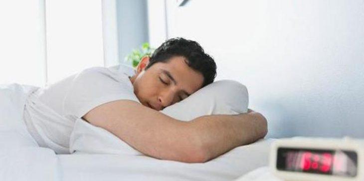 دراسة ..  تعرّف على 3 طرق للنوم بشكل أفضل