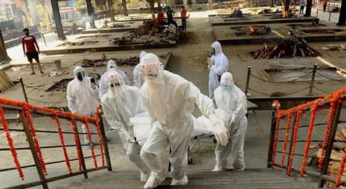 وفاة أكثر من ألفي شخص بكورونا خلال 24 ساعة في الهند في عدد قياسي جديد