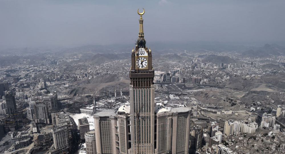 الدفاع الجوي السعودي يعترض صاروخين للحوثيين فوق مكة