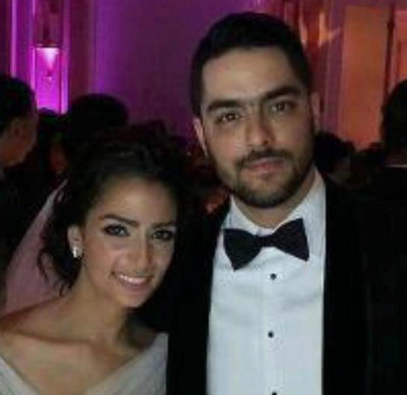 جمهور حسن الشافعي يسخر من زوجته .. صور