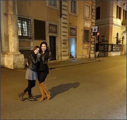 بالفيديو والصور .. لجين عمران وأسيل في برد البندقية