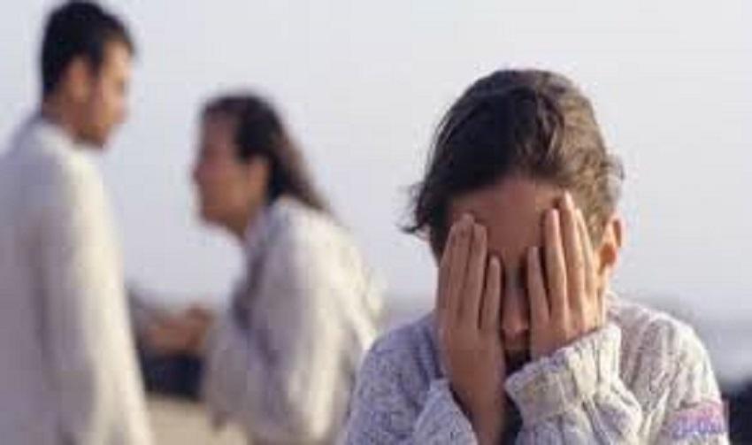 طالبة ضحية تفكك أسري تناشد وزير التربية والتعليم : استحلفك بالله تعيدني إلى المدرسة؟