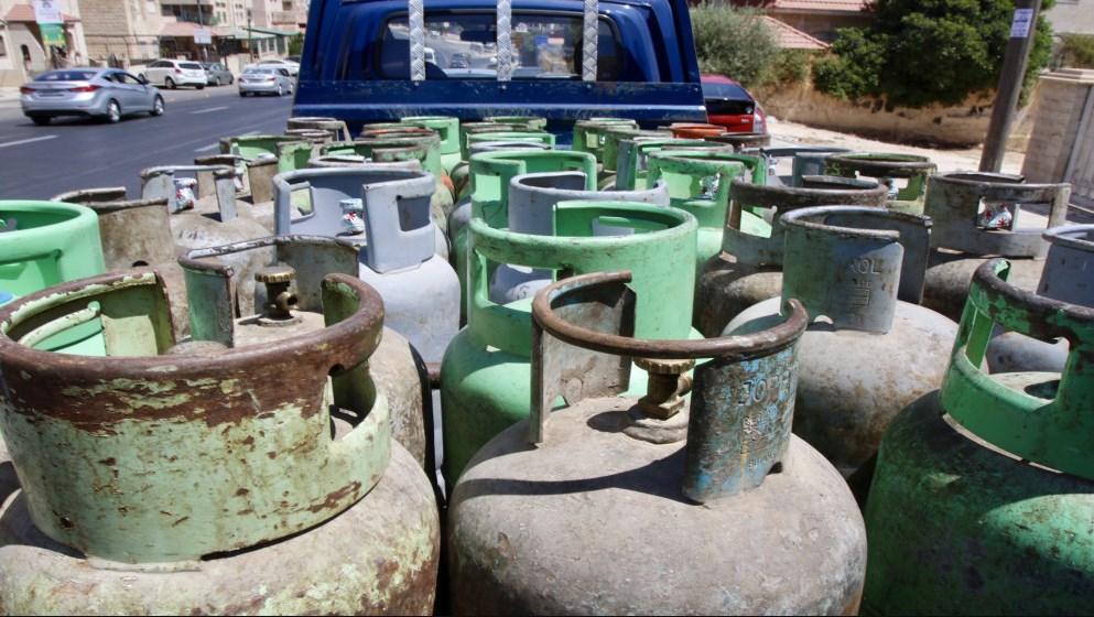 وزارة العمل تعلن عن توفر 500 فرصة عمل بمهنة تحميل وتنزيل أسطوانات الغاز
