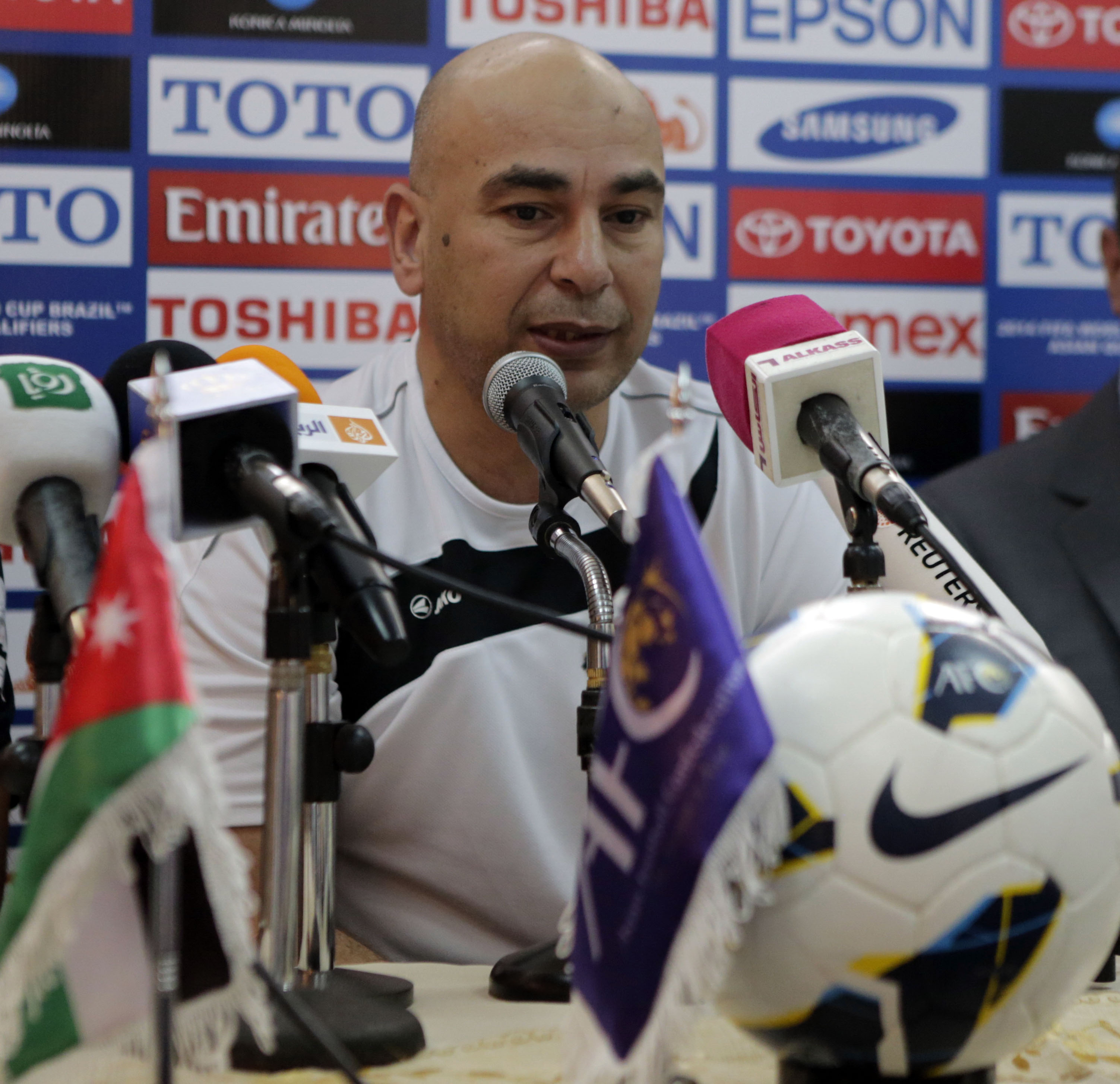 تجديد عقد الكابتن حسام حسن والجهاز الفني للمنتخب الوطني