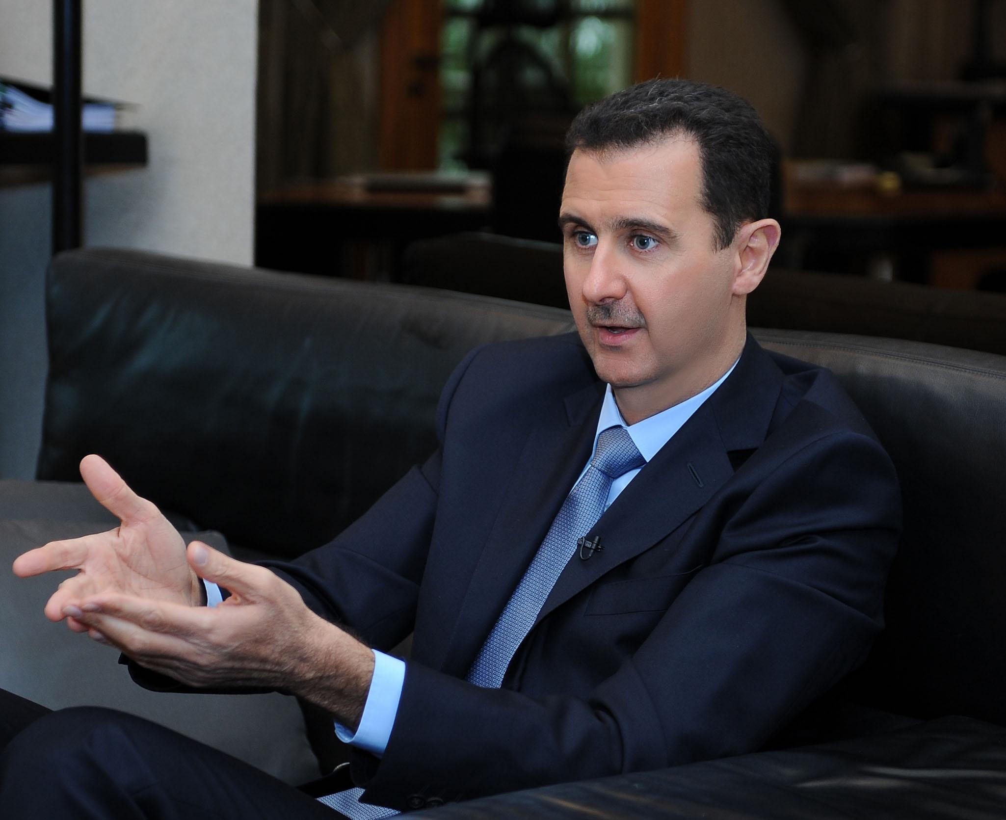 """الأسد : السعودية تريدنا ان نقف ضد ايران وعلاقتنا بمصر انحدرت بعهد """"مرسي"""""""