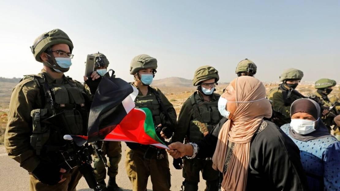 الاحتلال يعتقل فلسطينيتين ويقتحم فعالية نسوية في القدس